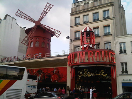Paris landmarks 01_Moulin_Rouge