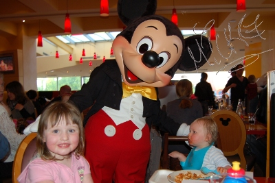 Cafe Mickey at Disneyland Paris