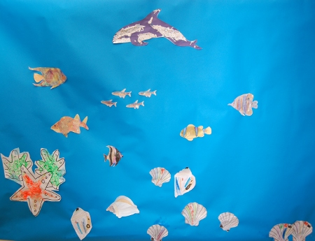 Underwater sea / aquarium picture glue and glitter for kids